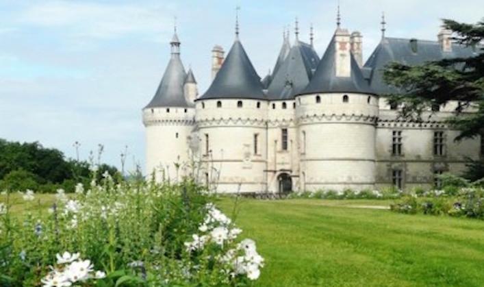 Chateau-Chaumont-sur-Loire-has-its-own-beautiful-gardens copy