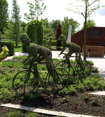 Advanced topiary, like these cyclists, featured strongly in the displays