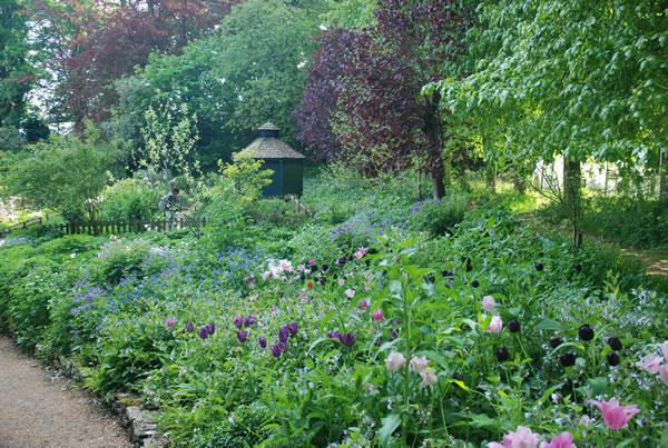 Cerney House garden
