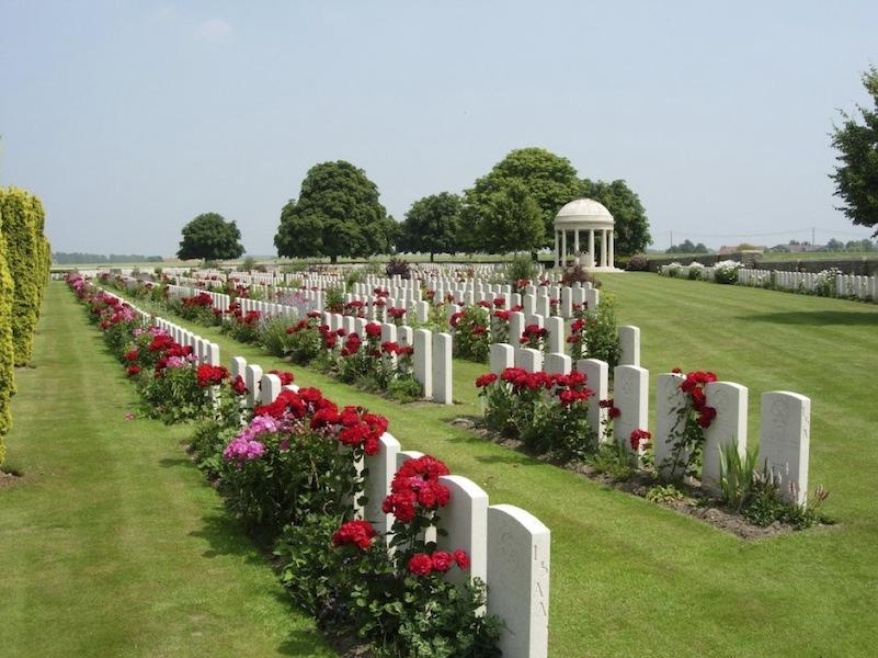 Bedford House Cemetery Belgium CGWC