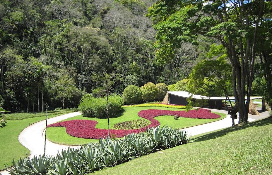 Burle Marx - Edmundo Cavanelas garden