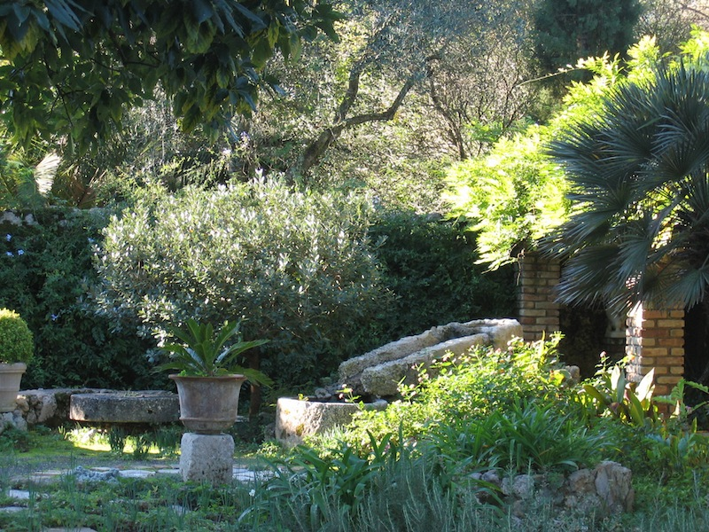 Corfu jardin Doxiadis. Photo Louisa Jones