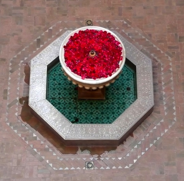 Riad Kniza fountain from above