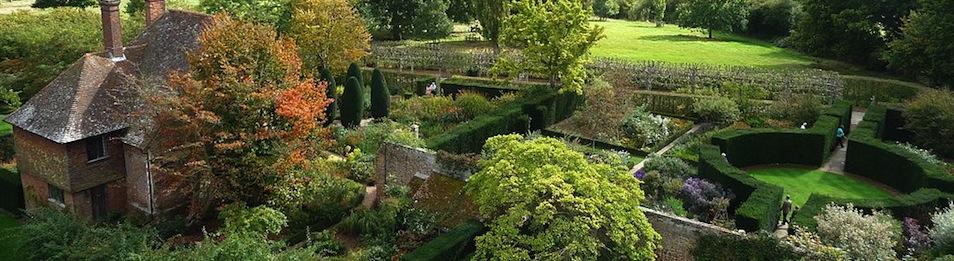Sissinghurst Castle  Southeast Gardens Photo GraceKelly slider
