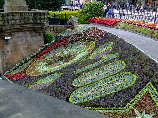 Floral clock in Edinburgh. Photo Thomas Nugent 2011