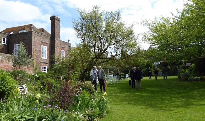 Henry-James-garden-Photo-Cate-Gleeson-1