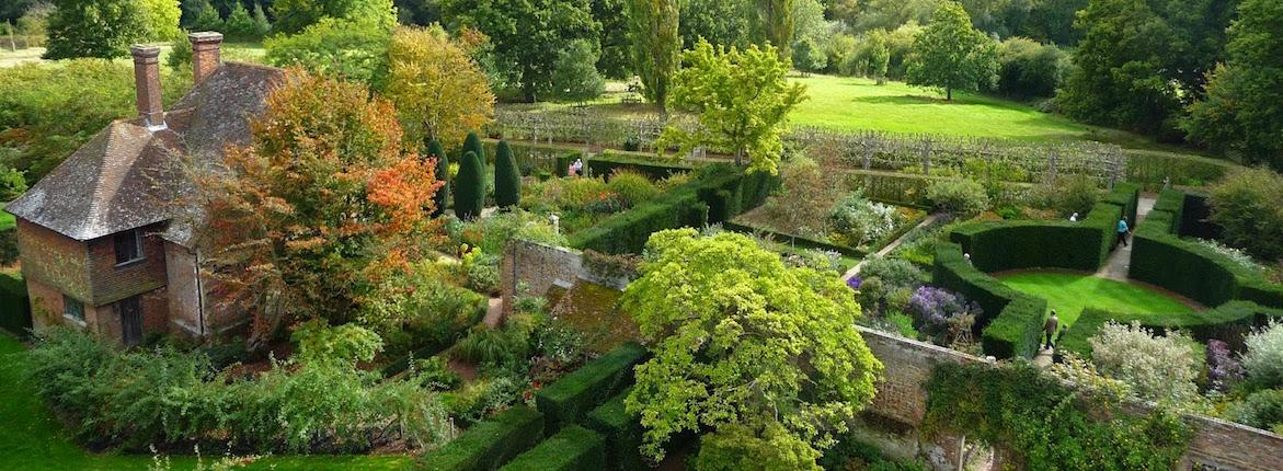 Sissinghurst_Castle_-_Southeast_Gardens hero
