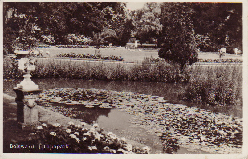 A 1951 postcard of Julianapark in Bolsward