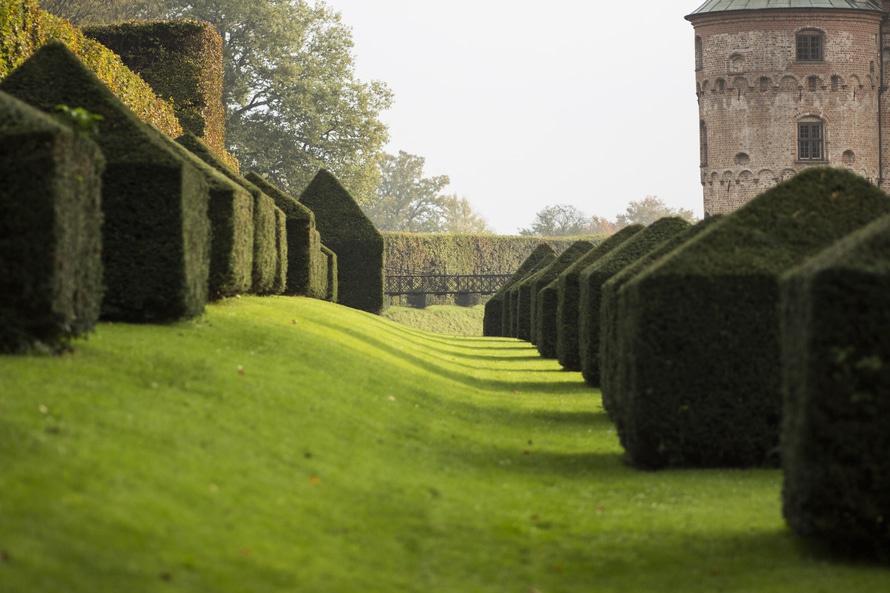 Egeskov Castle garden. Photo karsten madsen
