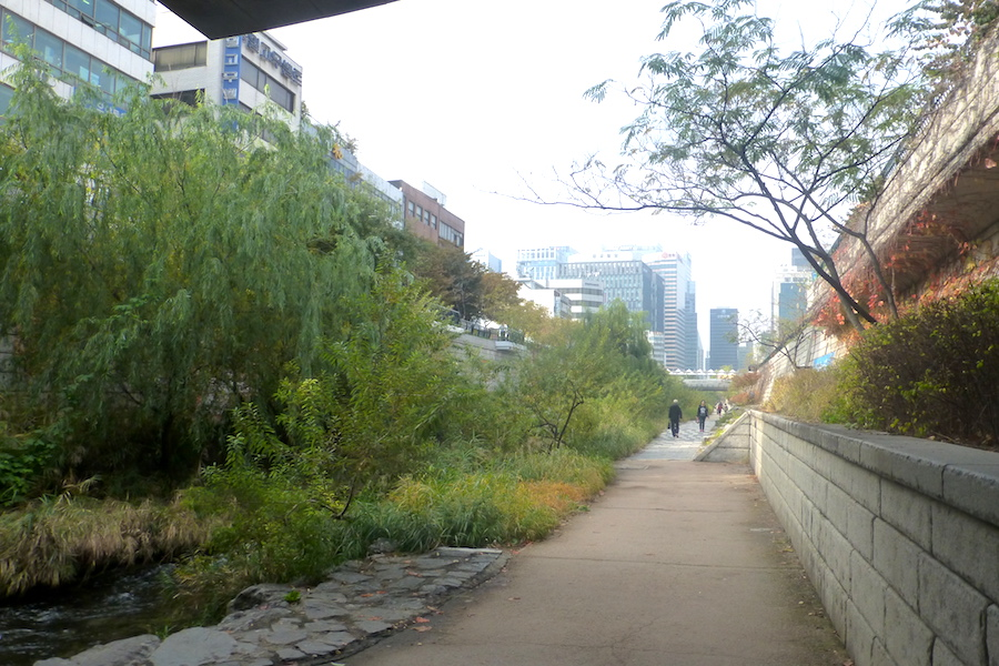 Cheonggyecheon Steam landscape in Seoul Photo Stuart Read
