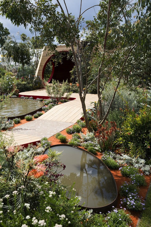 'Essence of Australia' garden. Design Jim Fogarty. Gold Medal at Hampton Court Palace Flower Show. Photo Dave M Benett: Getty Images for Essence of Australia Partners