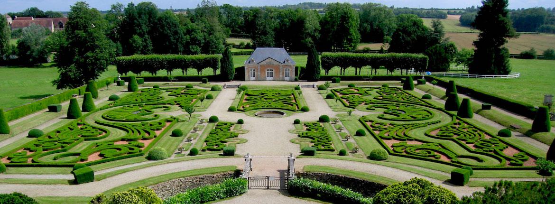 Jardins et Terrasses du Château de Sassy, St-Christophe-Le-Jajolet, France