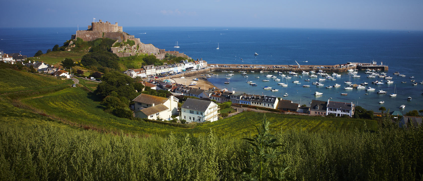 View overlooking Mont Orgueil Castle, Jersey, Channel ...