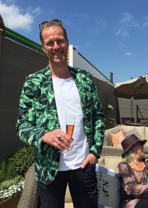 Casual jackets that suit Chelsea's garden theme