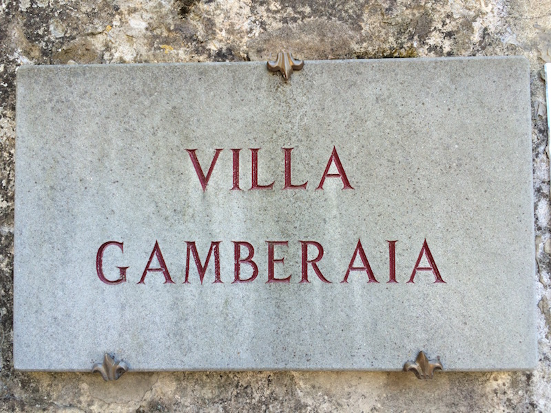 VILLA GAMBERAIA SIGN AT THE GATE