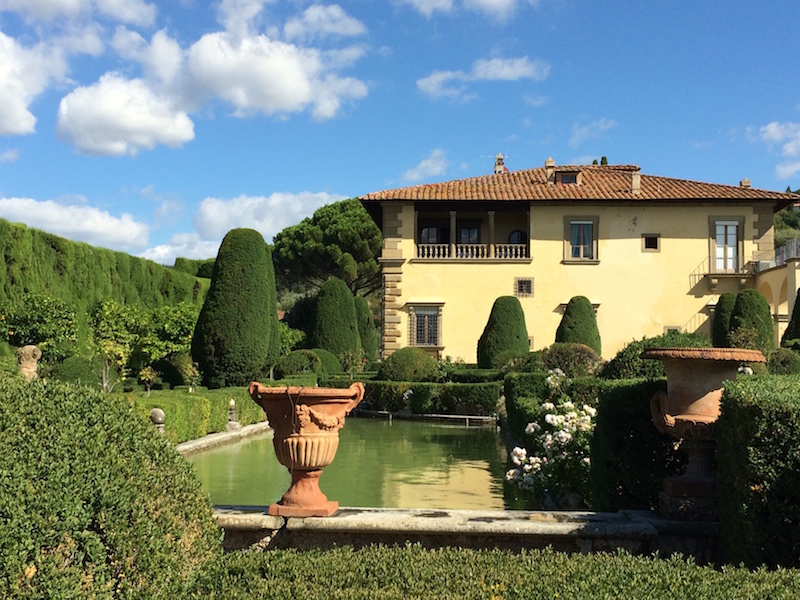 Villa Gamberaia and the last rose flowering