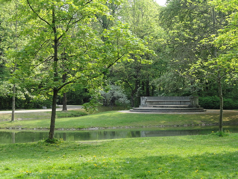 Stream and Steinerne Bank in Englischer Garten, Munich, Germany
